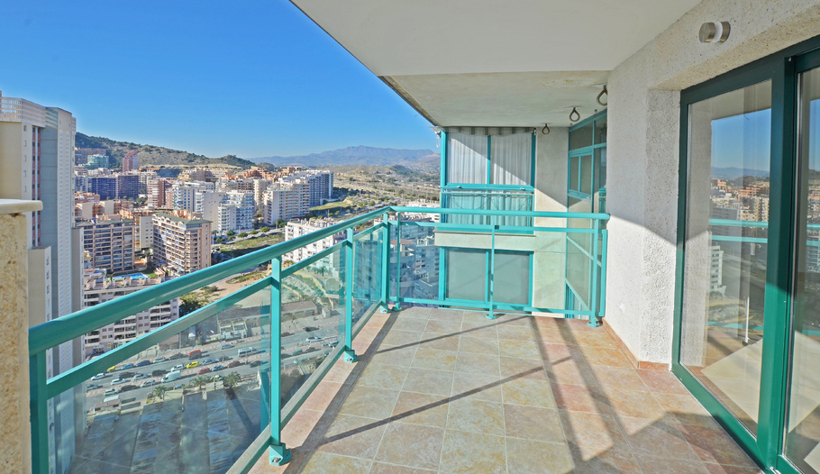 Penthouse with panoramic views in Benidorm 18268