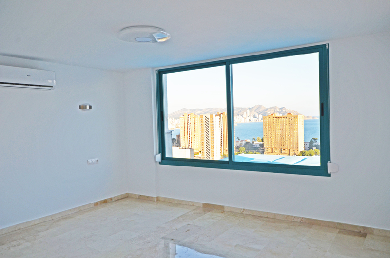 Penthouse with panoramic views in Benidorm 18273