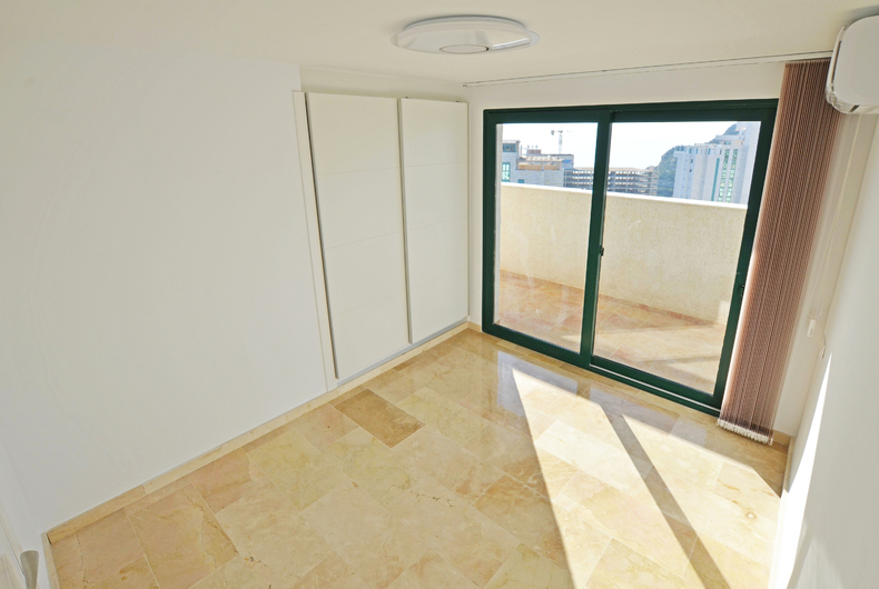 Penthouse with panoramic views in Benidorm 18280