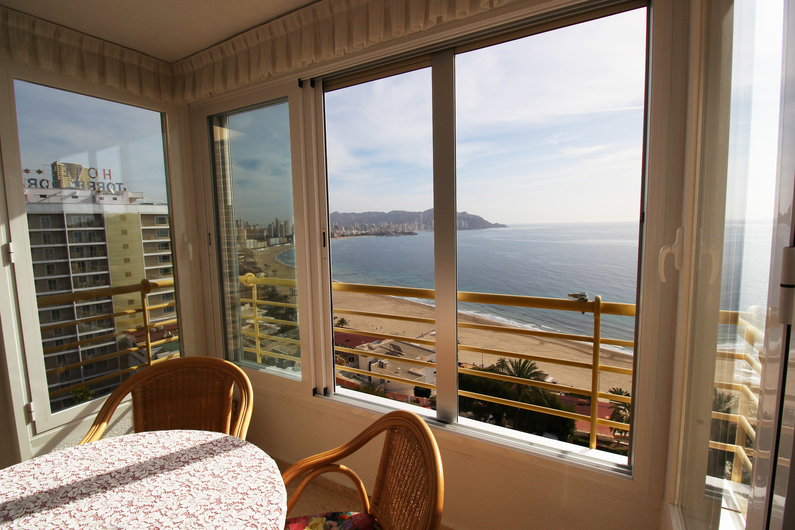 Apartment on the beach Poniente 4582