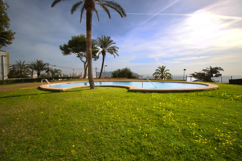 Apartment on the beach Poniente 4585