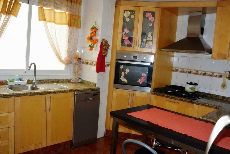 Spacious apartment in Denia 8177