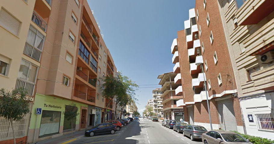 Spacious apartment in Denia 8186
