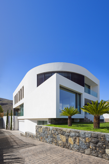 Magnificent villa with sea and mountain views 8336