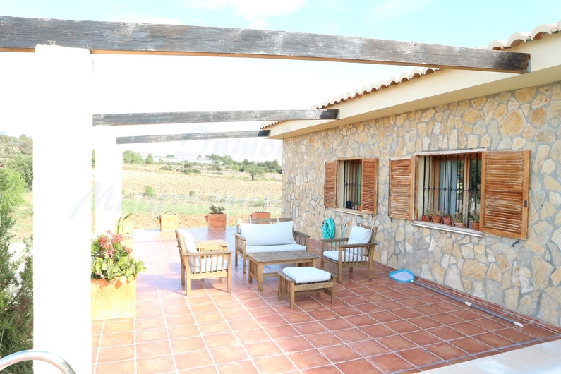 Country house with stable in Chiva 10149