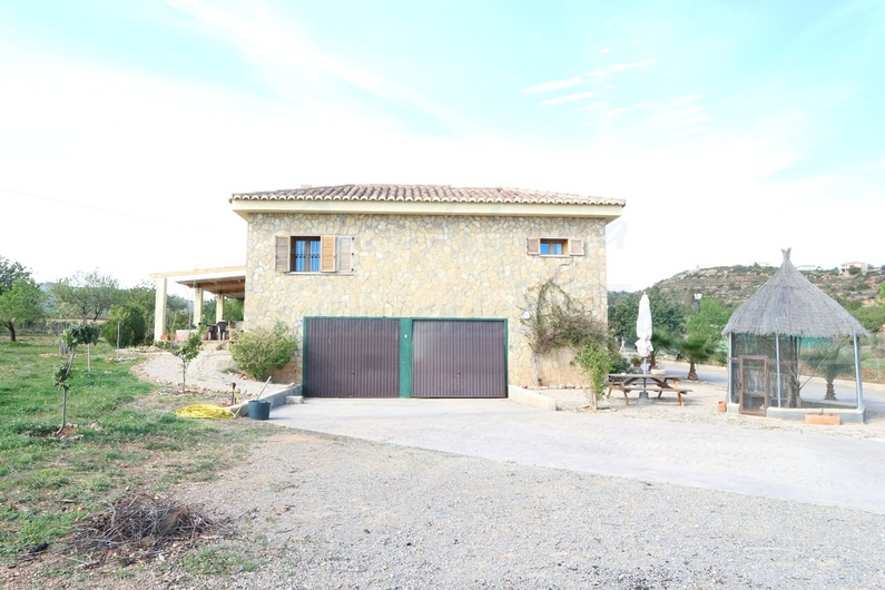 Country house with stable in Chiva 10163