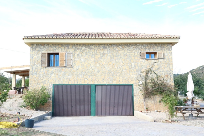 Country house with stable in Chiva 10164