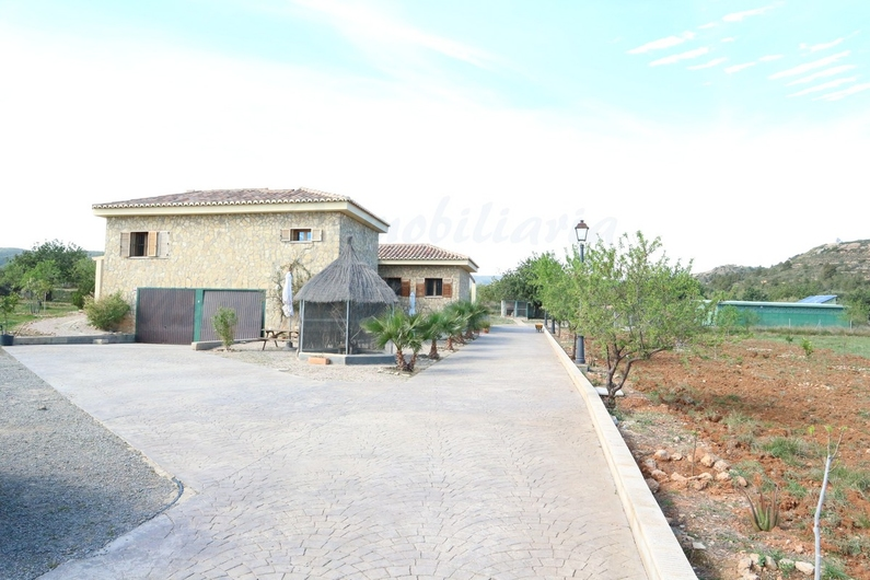Country house with stable in Chiva 10166