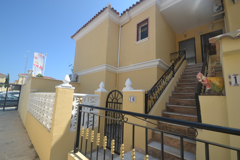 Bungalow on the beach of La Mata 11307