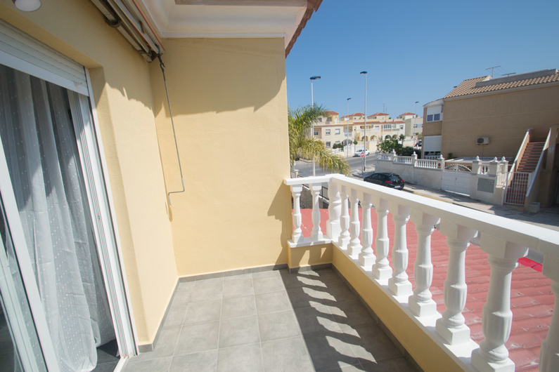 Bungalow on the beach of La Mata 11320