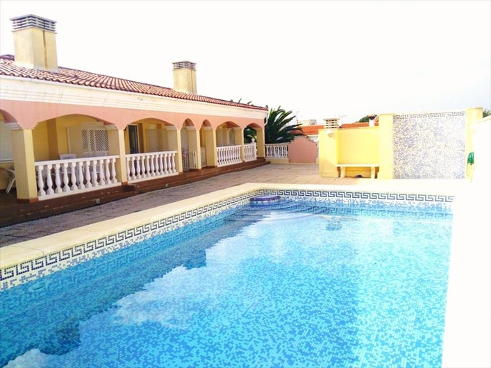 Apartments in Denia near the beach. 11673
